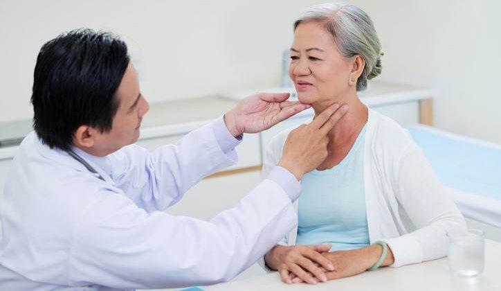 متخصص تیروئید تخصص در زمینهی درمان اختلالات غدهی تیروئیدی